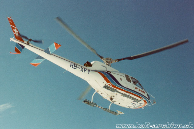 The AS 350B Ecureuil HB-XFY was used by Air Grischa between August 1979 and July 1981. It was lost in an accident caused by a turbine failure (HAB)