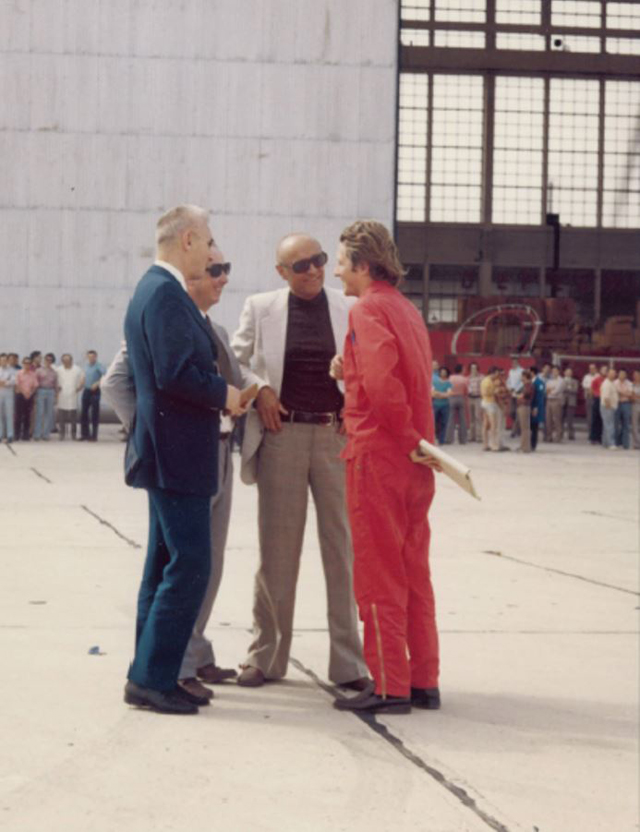 Marignane/F, June 27, 1974 - René Mouille (on the left), along with Georges Petit and Fernand Carayon discusses the outcome of the first flight along with flight engineer Bernard Certain (archive B. Certain)