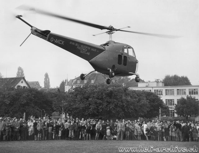 Zurich-Wollishofen, October 14, 1947 - The Bell 47B G-AKCX is the first helicopter to fly in Switzerland (H. Gemmerli)