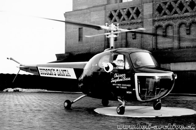 The Bell 47B N5H in service with Chicago Seaplane Base with a VIP passenger (Bell Helicopter)