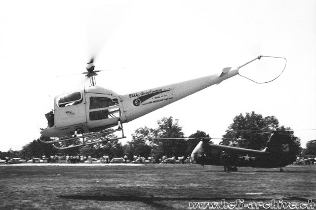 The Bell 47G-1 photographed during a demonstration flight (Bell Helicopter - Paul D. Faltyn)