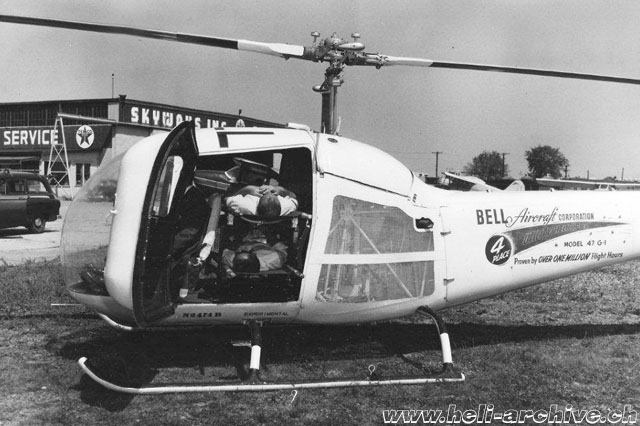 The litters kit could be installed in a few minutes (Bell helicopter - Paul D. Faltyn)
