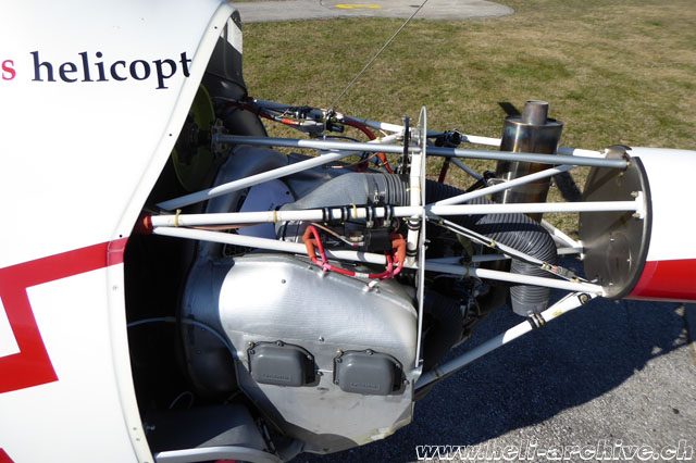 The engine bay with the Lycoming O-360 J2A. The aft fire wall is clearly visible (M. Bazzani)