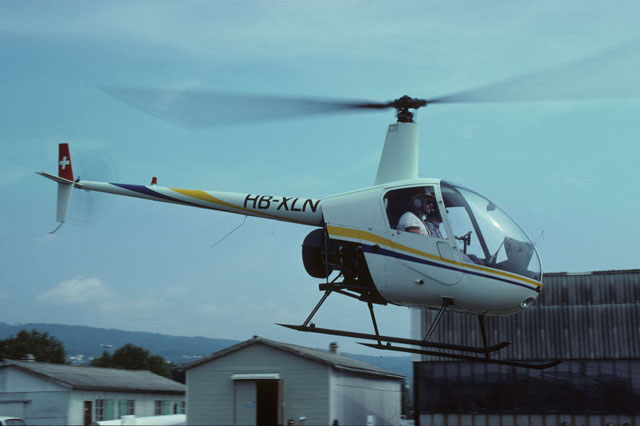The Robinson 22 HB-XLN (s/n 073) photographed in Belp/BE in August 1986 (archive P. Wernli)