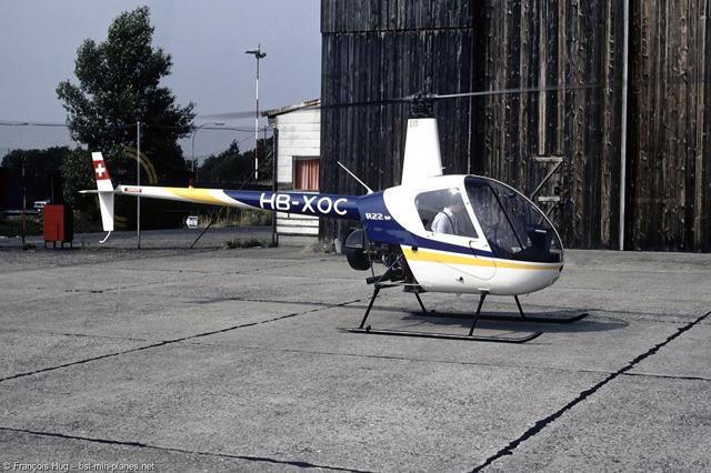 Basel airport, June 29, 1983 - The Robinson 22HP HB-XOC was destroyed in 1986 in a fatal mast-bumping crash (François Hug - www.bsl-mlh-planes.net)