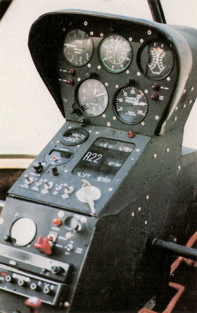 The instrument panel of one of the first R22 manufactured in series (HAB)
