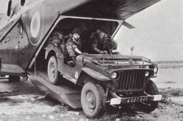 A jeep leaves the cargo compartment through the access ramp (HAB)