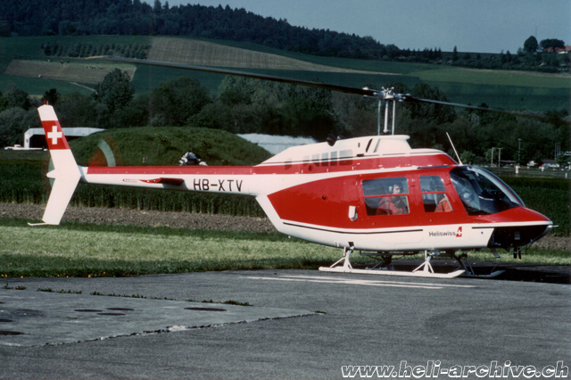 Belp/BE, 1990s - The Agusta-Bell 206B Jet Ranger III HB-XTV in service with Heliswiss (E. Krebs)