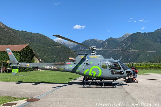 San Vittore/GR, August 2019 - The AS 350B3e Ecureuil HB-ZMK in service with Heli-Rezia (M. Bazzani)