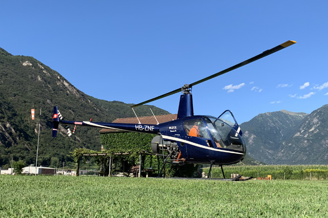 San Vittore/GR, August 2019 - The Robinson R-22 Beta II HB-ZNF operated by Aris Pedimina (M. Bazzani)