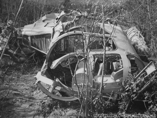 "Aproz/VS, May 4, 1950 - The Westland-Sikorsky S-51 G-ALEI ""Spraycopter"" after the accident (HAB)"