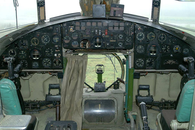 The cockpit of a Mil Mi-6 (Y. Kabernik)