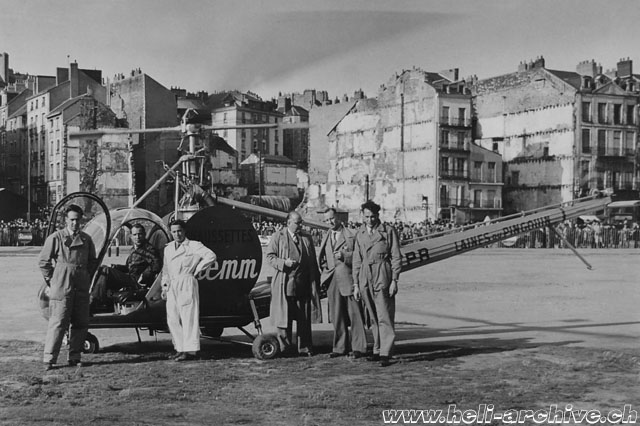 France 1950 - Sepp Bauer started his commercial activity as helicopter pilot doing advertising flights at the control of a Hiller 360 in service with Helicop-Air (HAB)