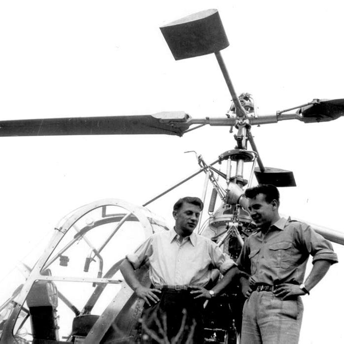 1950 - Walter Demuth (right) along with Seppi Knecht, one of the first mechanic employed by Air Import (HAB)