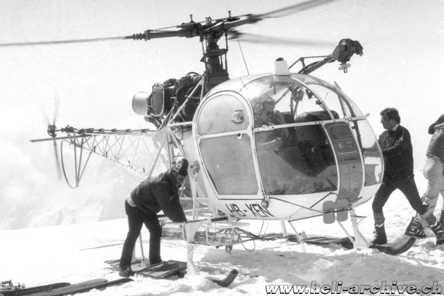Winter 1974 - Heli skiing with the SA 315B Lama HB-XEN of Heliswiss (family Schmid)