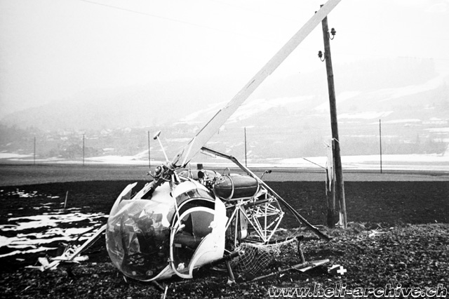 Belp/BE, February 23, 1968 - The Bell 47G2 HB-XAX after the accident (archive A. Litzler)