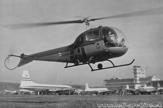 Zurich airport, March 1957 - Oswald Matti at the controls of the Bell 47J Ranger HB-XAU (O. Matti)