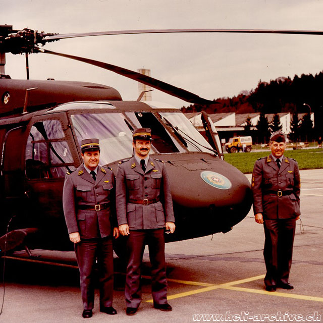 Oswald Matti (on the righta destra) next to a Sikorsky Black Hawk (O. Matti)