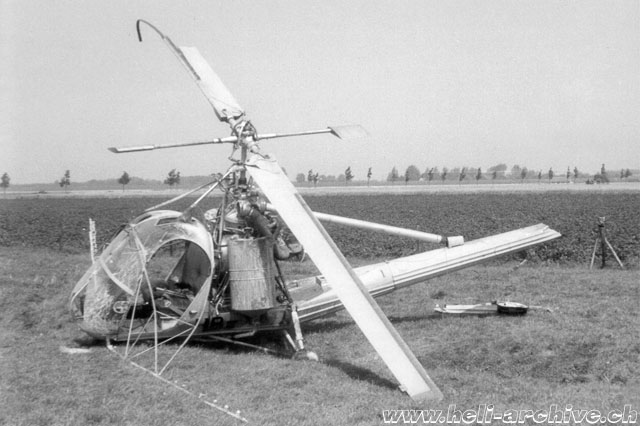 Dubbeldam/Holland, May 7, 1956 - A sudden mechanical problem forced Emil Müller to make an emergency landing while at the controls of the Hiller 360 HB-XAD in service with Air Import (H. Dekker)