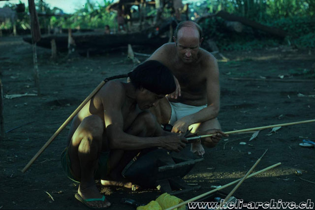 Suriname - JB Schmid photographed while he observes an Indios who is constructing some arrows (JB Schmid)