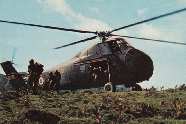 A Sikorsky H-34 / S-58 in service during the conflict in Algeria (HAB)