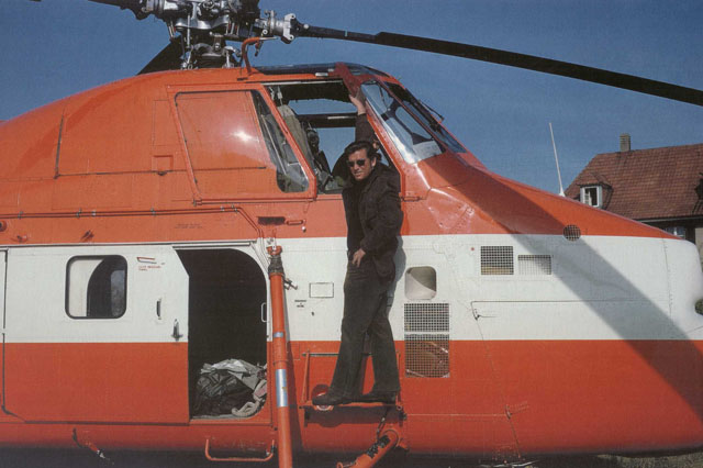 Walter Tschumi logged a considerable flight experience at the controls of the Sikorsky S-58T HB-XDT (archive W. Tschumi)