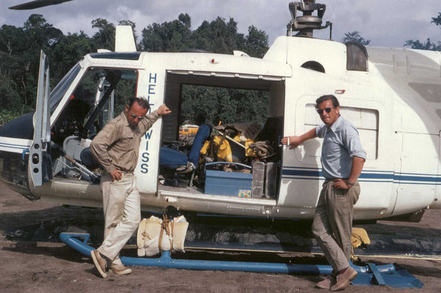 Suriname 1970s - Walter Tschumi (on the right) and helicopter mechanic Edy Krebs beside the Agusta-Bell 204B HB-XBO in service with Heliswiss (archive W. Tschumi)